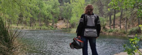 Rueda por la Sierra del Segura en Moto: Pantanos y Embalses