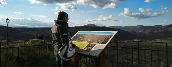 Rueda por la Sierra del Segura en Moto: Ruta de los Castillos