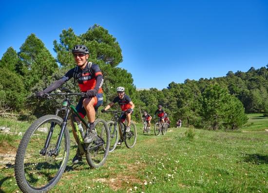 Más rápido, más alto, más adrenalina Desafíate en la Sierra del Segura