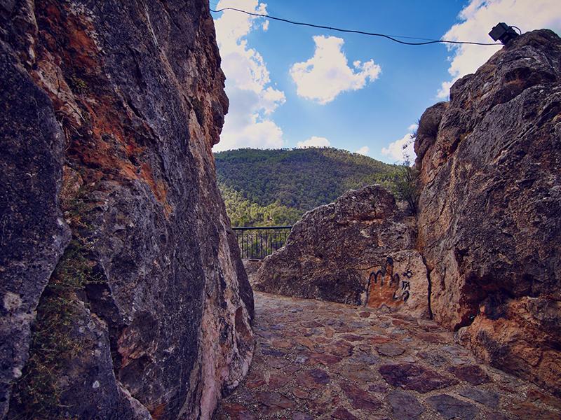 Restos castillo de la Yedra y mirador de los mayas. Aýna.  Balcón Mayas 3