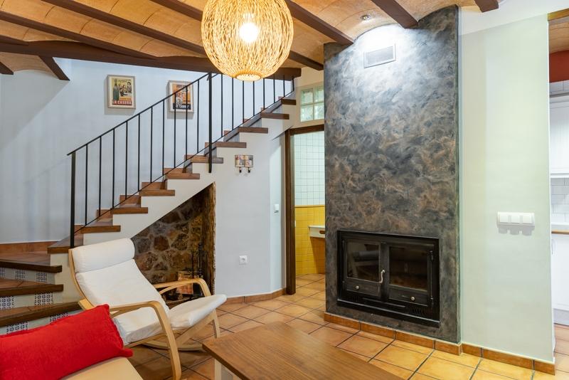 Casa rural Miralmundo  Salon con chimenea