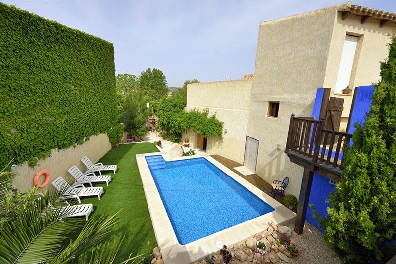 Casa rural la Tahona piscina de la casa rural