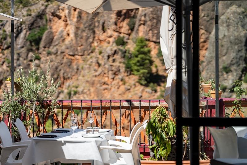 Restaurante Casa Segunda Vistas hacia los PIcarzos de Aýna