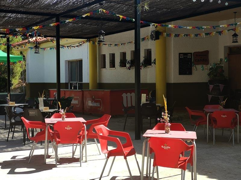 Aldea turística El Cañar  Terraza del restaurante El Cañar